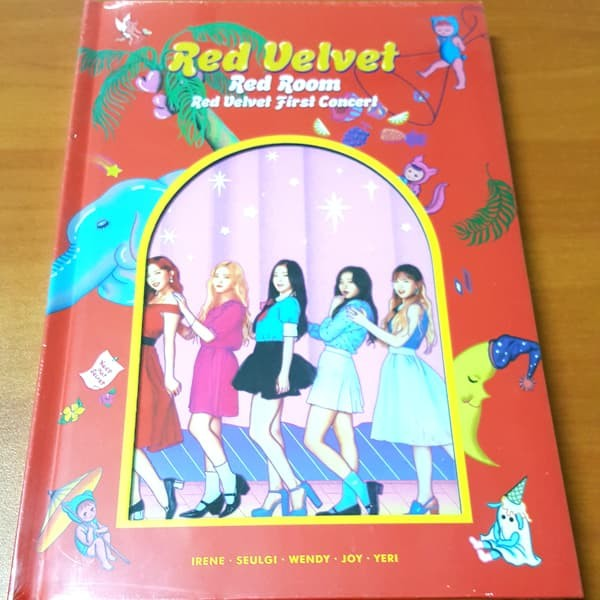 Jual RED VELVET / First Concert Red Room [Concert photo book] - Jakarta  Utara - SIE entertainment | Tokopedia