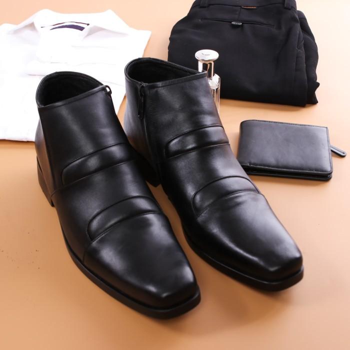 harga Sepatu boot pantofel formal pria model helvin Tokopedia.com