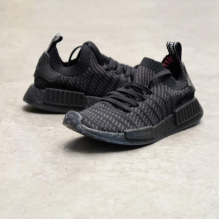 pretty nice 40e41 7f3b6 Jual Adidas NMD R1 STLT Triple Black | CQ2391 - Hitam, 42 - DKI Jakarta -  High Gentleman - OS | Tokopedia