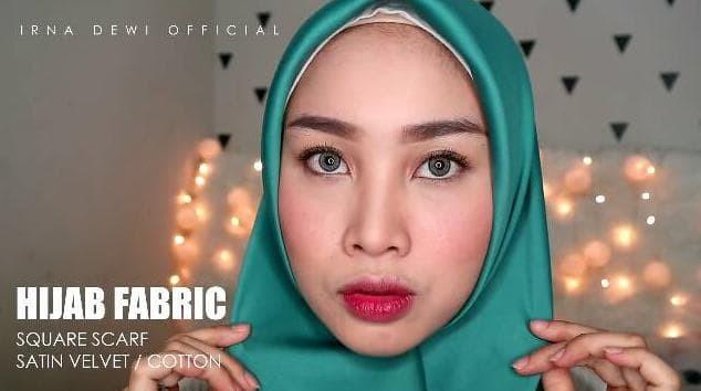 Terhemat Kerudung   Jilbab Satin velvet Segiempat Premium polos /