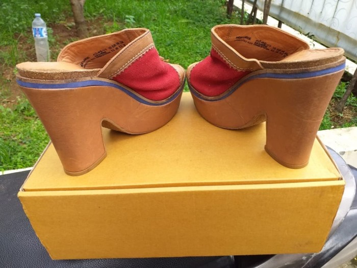 Jual Wedges Merk Hush Puppies – Size 40 (Made in Portugal) - Mrs ... da8a5795f5