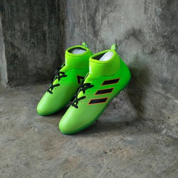 sepatu futsal adidas boots terlaris murah keren berkualitas baik sss 6597238f9b