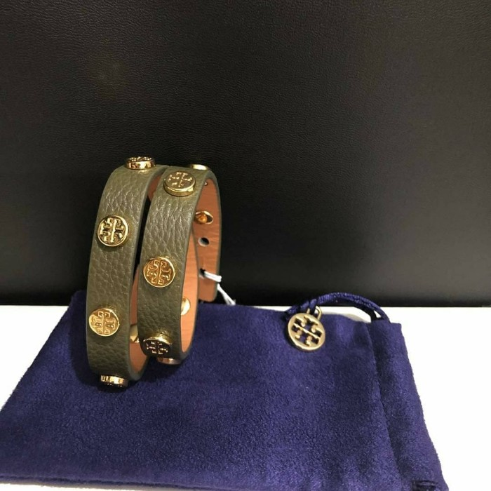 05759bc7c83 Jual Gelang Tory Burch Original   TB Bracelet Bracelets Banana Leaf ...