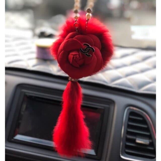 Gantungan Chanel Motif Bulu Spion tengah Mobil Variasi Mobil Blink