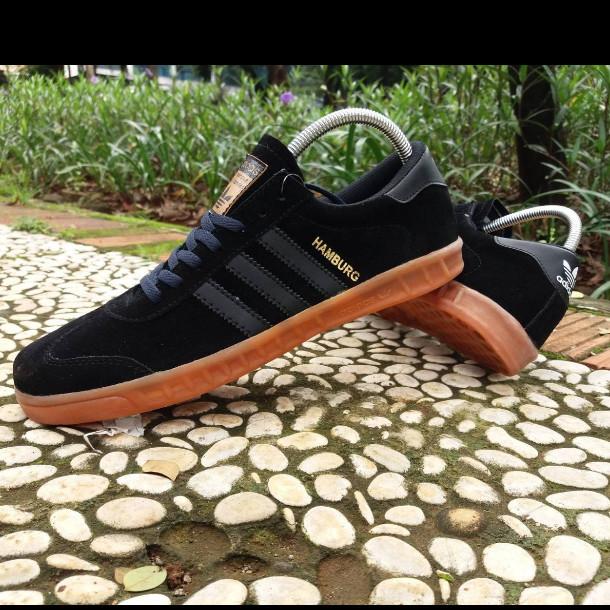 Jual Sepatu Sneakers Kets Adidas Hamburg Full Black High Quality
