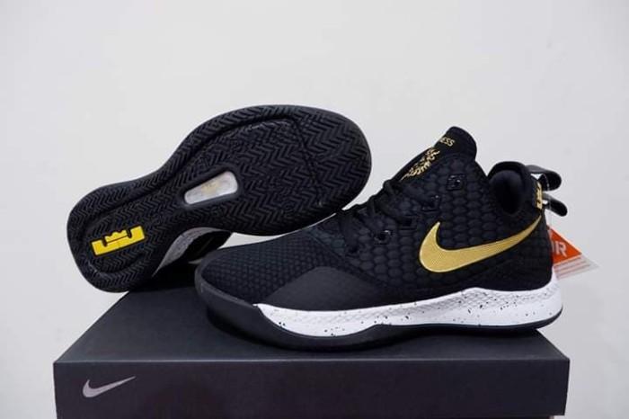 491bcf82e197 Jual sepatu basket nike lebron witness 3 black gold grade original murah - Kota  Batam - vier sport