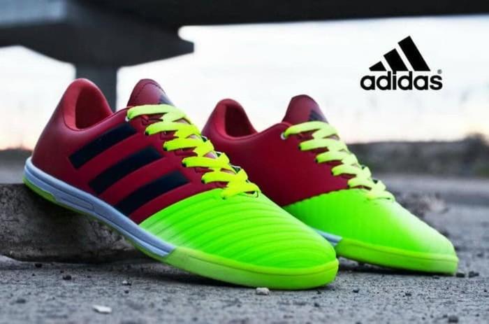 Jual Unik Sepatu Futsal Murah Adidas Pria Terlaris - watekixa hubii ... 69f23dfffe