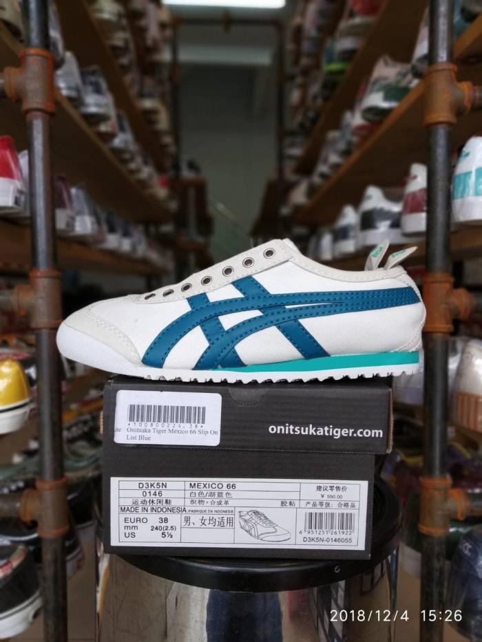 Jual Sepatu Slip On Wanita Asics Onitsuka TIger Mexico 66 List Blue ... d02ac089a4