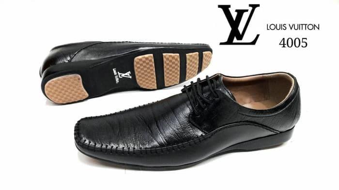 Sepatu Pantofel Pria Louis Vuitton Kulit Asli Kerja Kantor Pesta Dansa bb8043afec