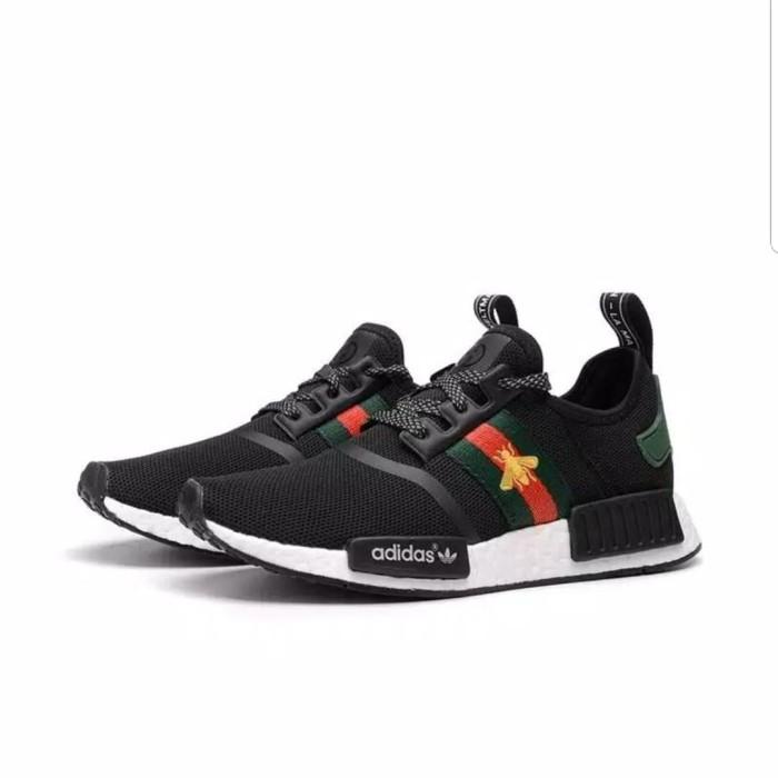 63a11a767ebe0 Jual sepatu adidas NMD R1 BEE GUCCI black high - momo-shopp