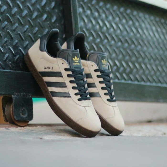 Sepatu adidas gazelle khaki black gumsol original bnwb ... 8639131b3f