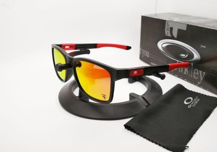 Kacamata Oakley Catalyst Ferarri hitam lensa fire polarized Tokopedia 7941b4ce50