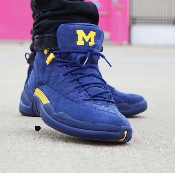 6c4169b8636d2d Jual Nike Air Jordan Retro 12 Michigan Premium Original   sepatu ...