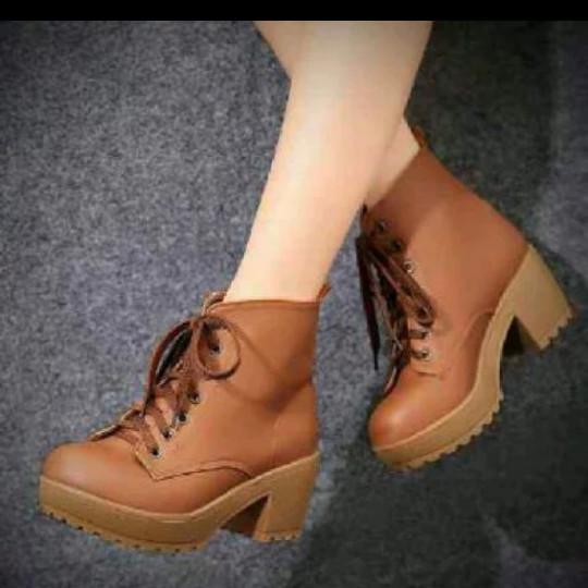 Sepatu Boots Heels Wanita Pb36 - Daftar Harga Terbaru dan Termurah ... f7f72020fa