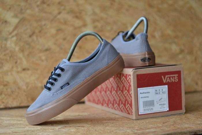 Jual sepatu sneaker pria vans authentic sol gum waffle dt - Abu-abu ... 40ad474cb5