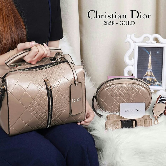 Tas Dior Lady Gloosy Besar Hitam Mutiara Darat Syal - Katalog Harga ... 116c16e6eb