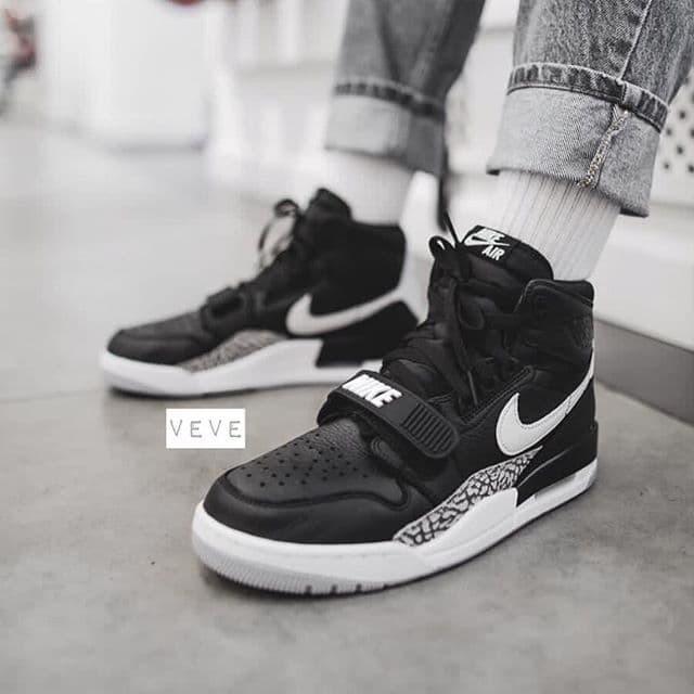 Jual Nike Air Jordan 321 Legacy Black White Premium Original - Jakarta  Barat - veve shoes   Tokopedia