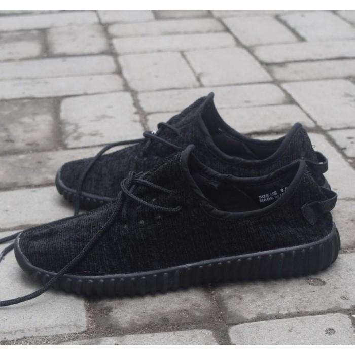 Jual Sepatu Casual Adidas Yeezy Boost Hitam Sepatu Adidas Yeezy