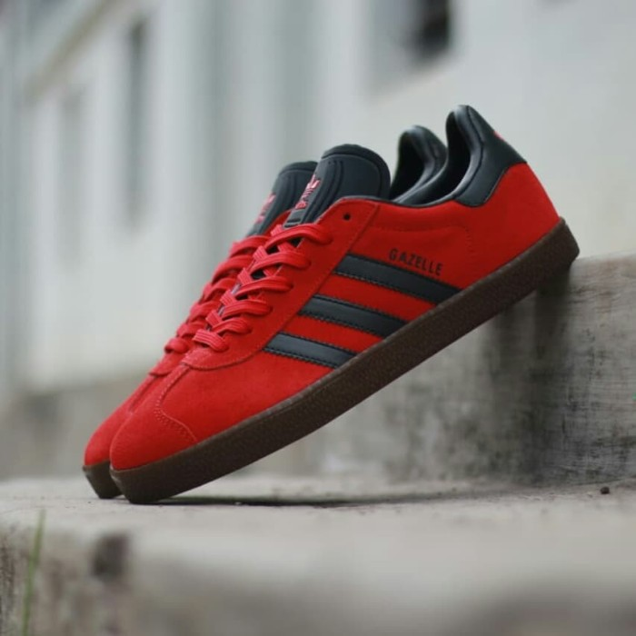 Jual Sepatu Adidas Gazelle Original Red List Black Sol Gum - Delapan ... 3822f4aec6
