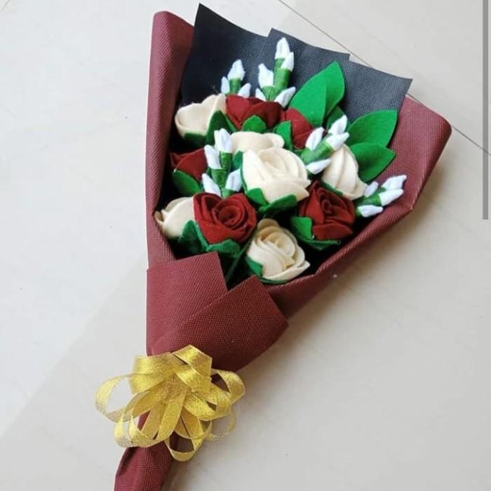 Foto Produk Buket Bunga Mawar Flanel Untuk hadiah wisuda, ultah, anniv, dll dari KAYLAZEIN OL STORE