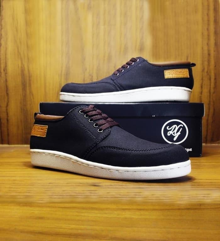 Jual Sepatu Sneakers Pria RGclothes Kelo Casual Slip On DC Nike Vans ... 607799df25