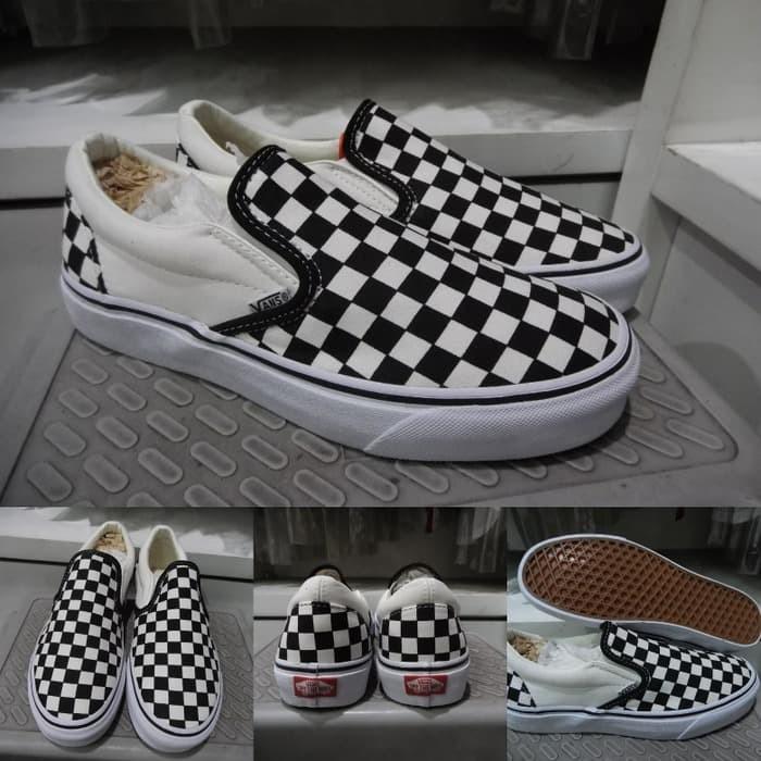 Jual Sepatu Kets Vans Slip On Checkerboard Black White Catur Hitam ... 0e43c03f23