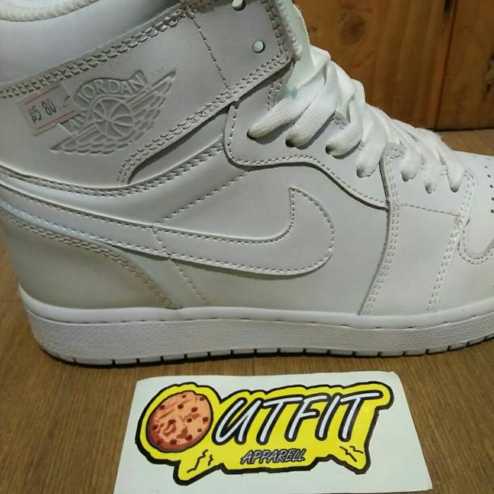 eaf302304f3113 Jual Nike AirJordan 1 retro Triple White - Putih