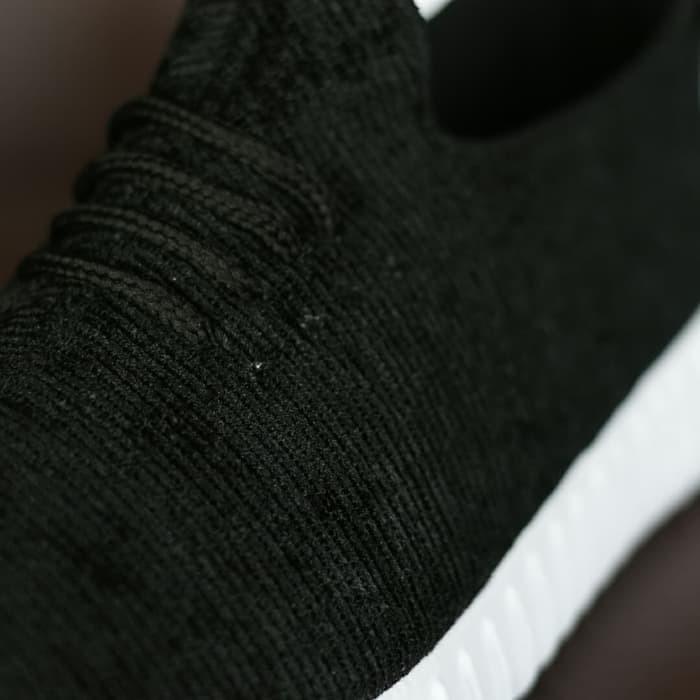 b18c0f948d45e Jual Sepatu Adidas Yeezy YZY Hitam Putih Sport Casual Sneakers ...