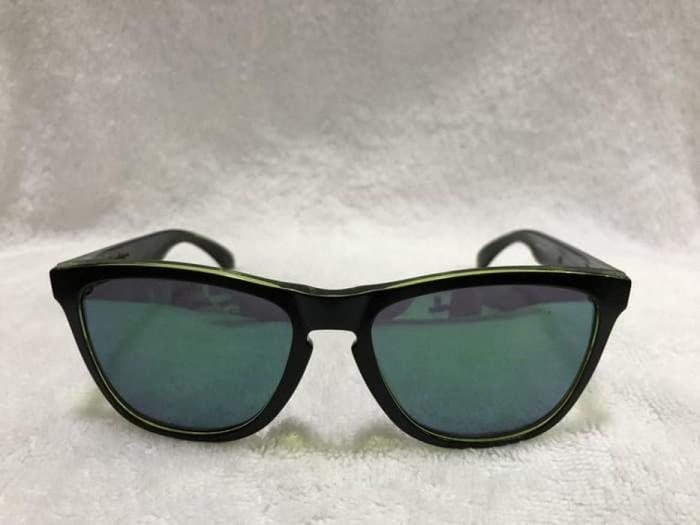 8871231d60b31 Jual Oakley Sunglass Frogskins Eclipse Collection