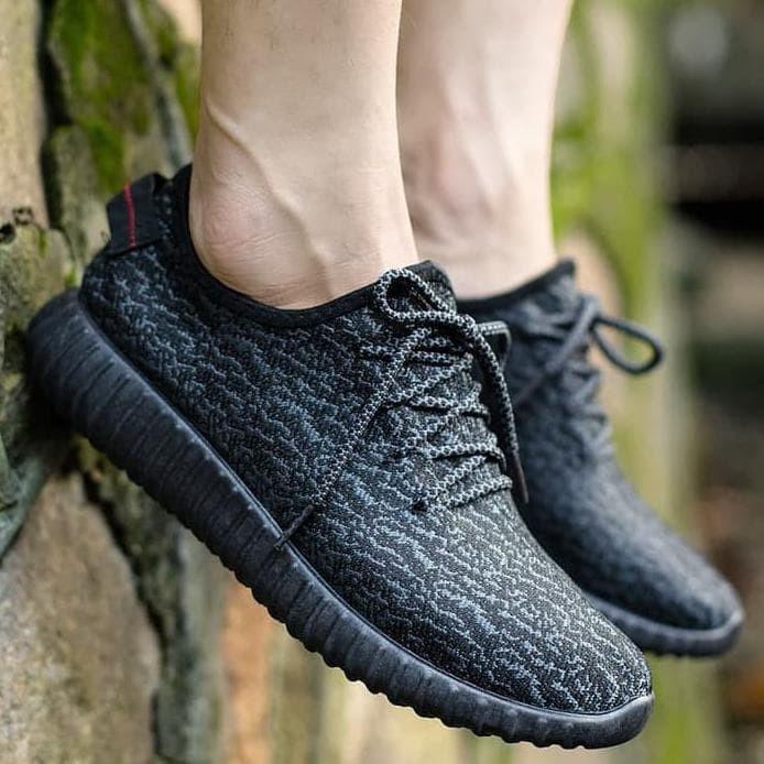 145ca819cef Jual Import Yeezy Sepatu Korea - Hitam