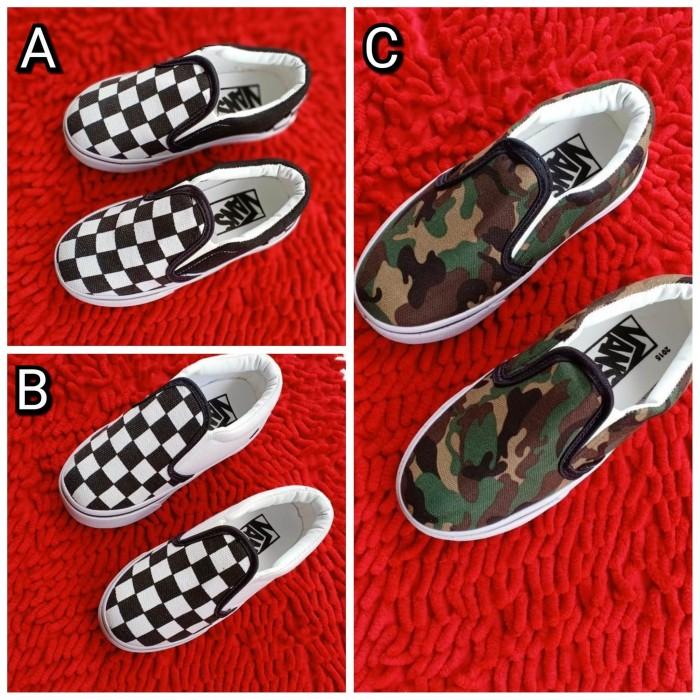 ... harga Sepatu anak vans slip on checkboard kids 20-35 sepatu anak tanpa  tali Tokopedia 823eefc468