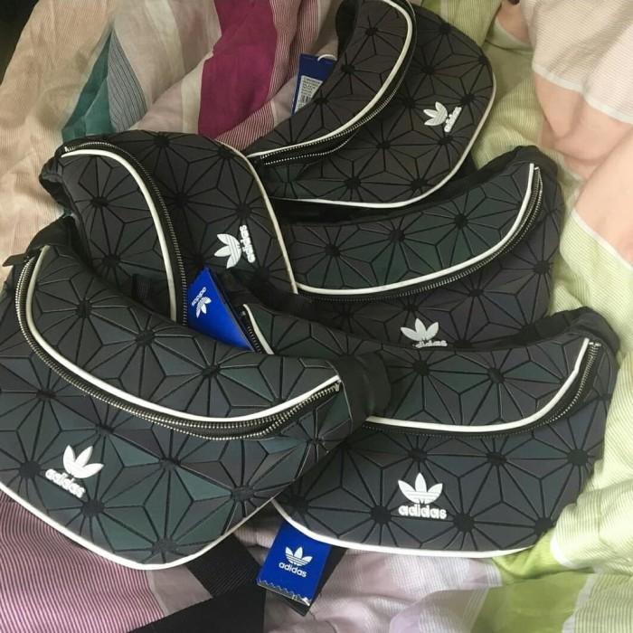 pretty nice 6cbce a2238 Jual Adidas Xeno Reflective Waistbag Black Multicolour - Kota Semarang -  Feelbranded | Tokopedia