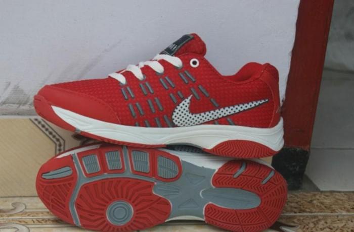 Jual Sepatu Sport Nike Airmax Badminton Merah - Bossy Boss  f31c728af4