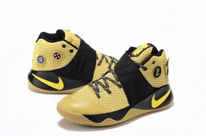 c3d3c1a6e708 Jual terlaris Nike Kyrie Irving 2 Sepatu Basket Original BNIB ...