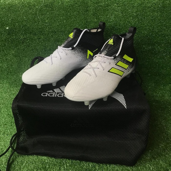 finest selection 78a40 364a1 Jual Sepatu Bola Adidas Ace17.1 FG - Black/White - Kota Surabaya - Sixteen  Group | Tokopedia