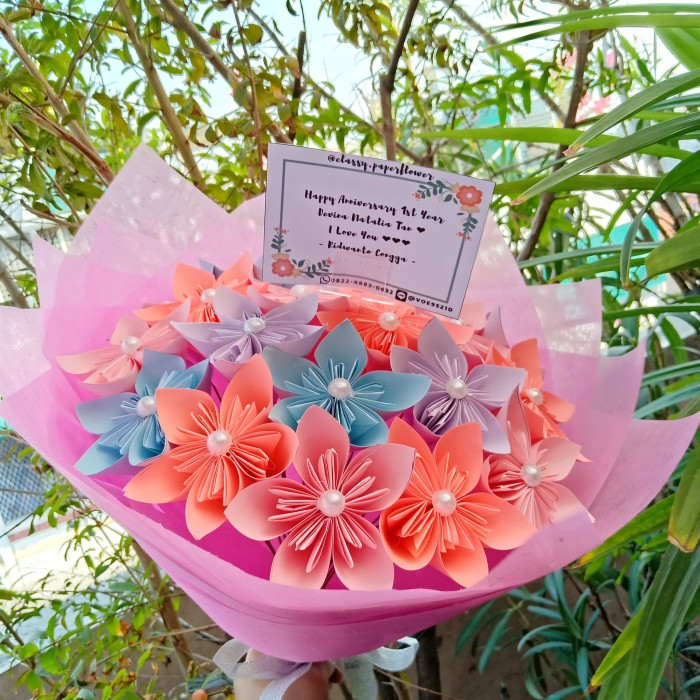Jual Kusudama Large Bouquet Bunga Wisuda Bucket Wisuda Buket Bunga Jakarta Barat Classy Paperflower Tokopedia