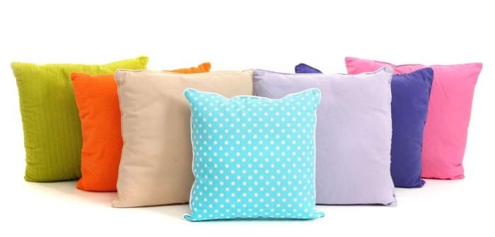bantal sofa warna warni
