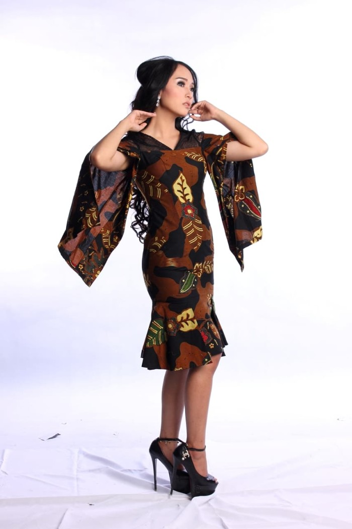 Jual Baju Batik Wanita Dress Batik Motif Bunga Kombinasi Baju Pesta ... f103ebf6f9