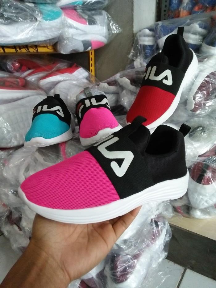 Jual sepatu fila wanita slip on terbaru pink hitam e40bcd10e2