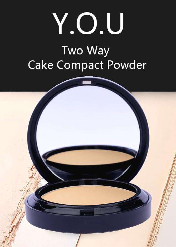 Foto Produk Y.O.U Two Way Cake Compact Powder - LIGHT dari tokolingli