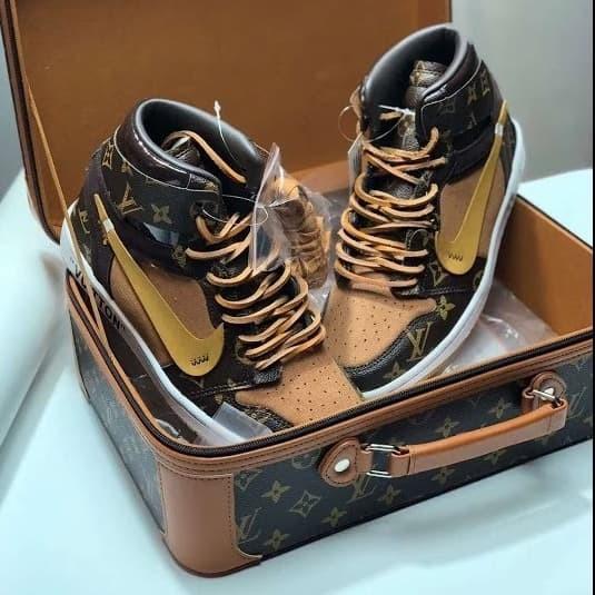 bf9e5945667 Jual Nike Jordan 1 X Louis Vuitton Off White - Jakarta Selatan - Tony  Sneakers | Tokopedia