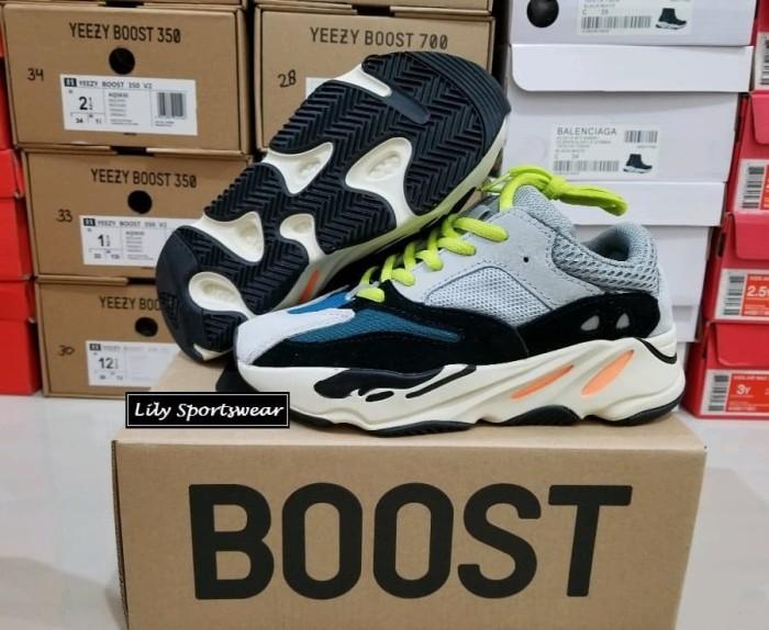 buy online 7311b 88ed6 Jual SEPATU ANAK ADIDAS YEEZY BOOST 700 KIDS - Kota Medan - lily sportswear  | Tokopedia