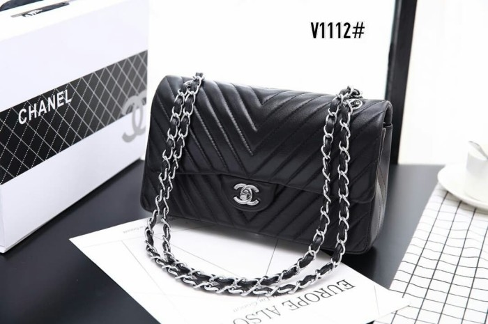 e8fe6eeb963a Jual Chanel Classic Medium Flap Bag👜 #V1112 - Hitam - collectionbyms |  Tokopedia