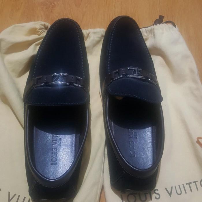 73862b3fff0 Jual sepatu LV.sepatu Louis Vuitton original.sepatu suede LV. - Kota ...