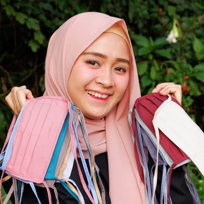 Foto Produk Masker Hijab Kain Oxford Polos Tali Panjang N95 Anti Virus Corona dari SalStore