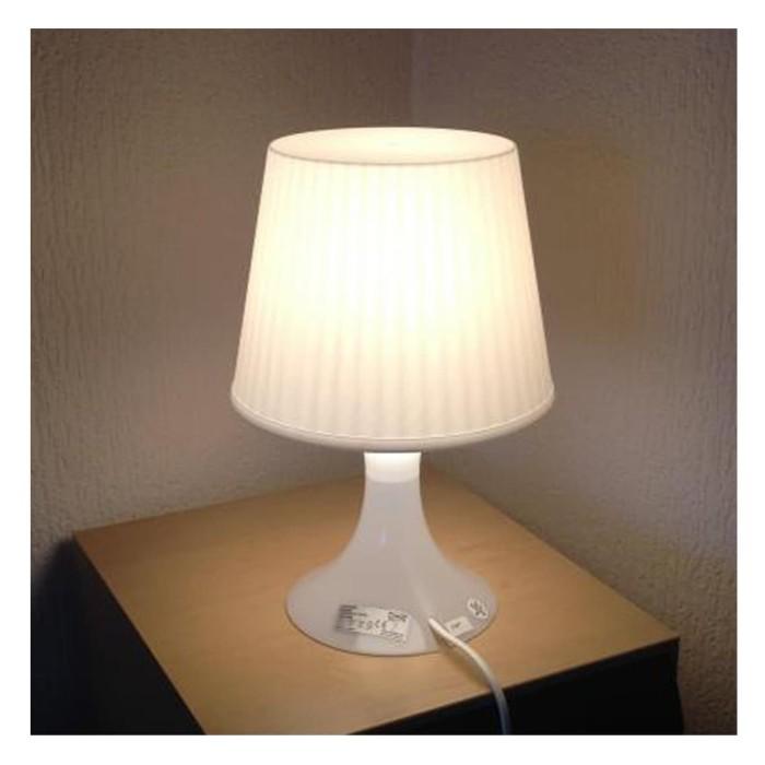 Ikea lampan lampu meja putih