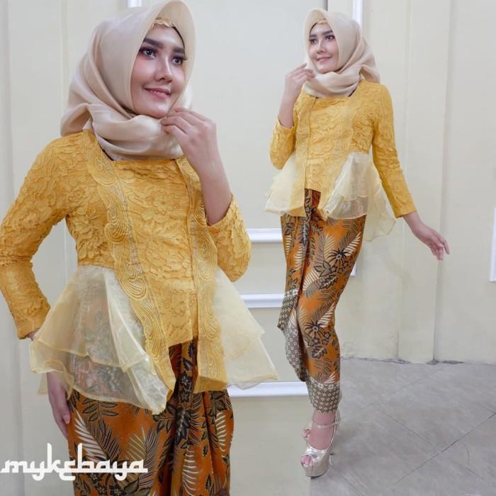 Jual Kebaya Kutubaru Kebaya Broklat Modern Kebaya Wisuda Hijab Navy Atasan Kota Surakarta Solokebaya Net Tokopedia