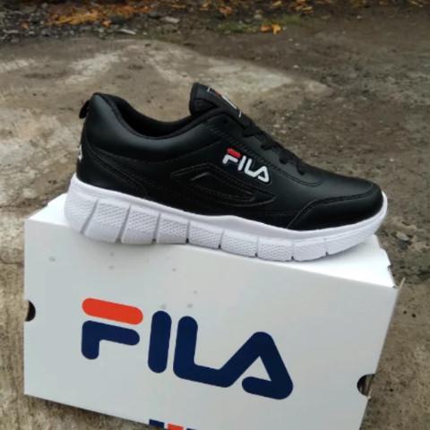 Jual Sepatu Sport Fila Disruptor Running Sneakers Pria wanita Hitam ... 4aed63b604