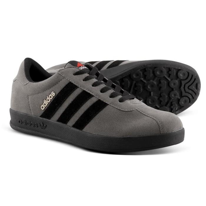 harga Sepatu bagus casual pria adidas vespa suede 3 varian warna Tokopedia.com
