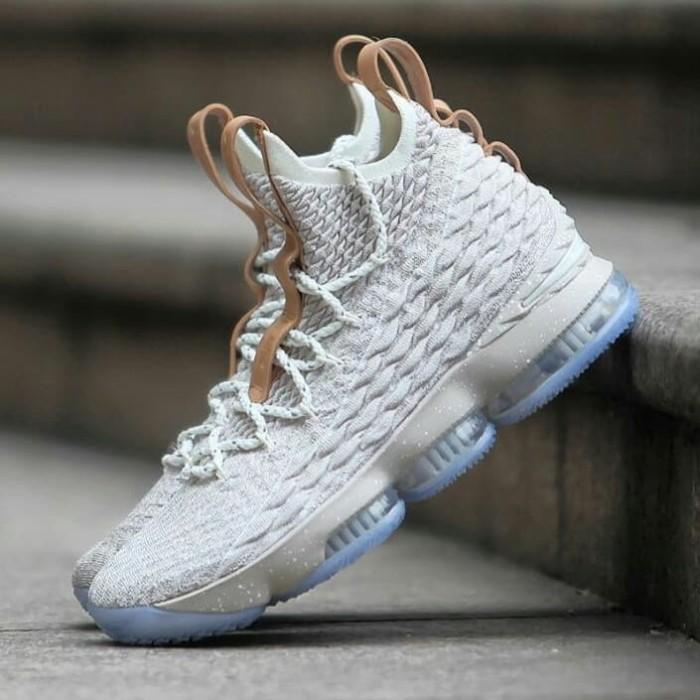 pretty nice 989e9 ab51e Jual Nike LeBron James XV Ghost Sepatu Sneakers Basket Pria - DKI Jakarta -  Damari | Tokopedia